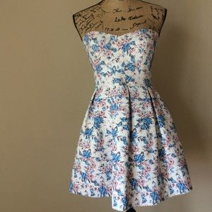 Sans souci floral strapless dress size small -G27